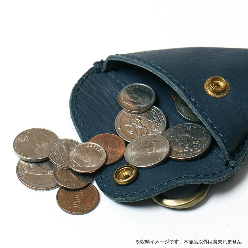 "<div align=""right"">Fin Desigh-Leather Wallet<br />Navy ¥5,600+tax</div>"